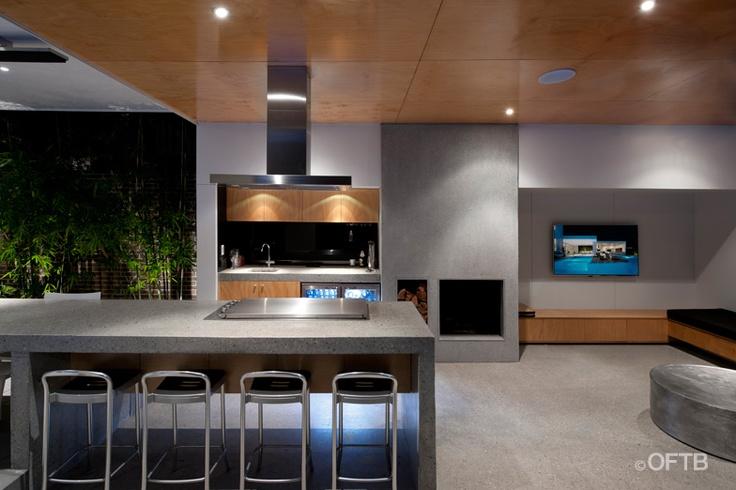 Modern outdoor kitchen and entertaining area