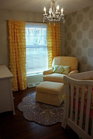 Example of an awesome nursery that's small. Small rooms don't have to stop creativity!
