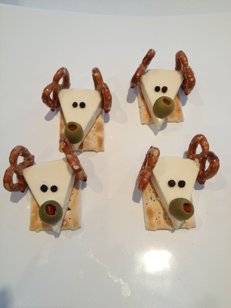 A cute Christmas treat using Laughing Cow cheese, pretzels & peppercorn