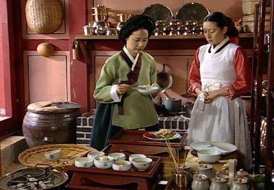 Lady Han teaching Jang Geum