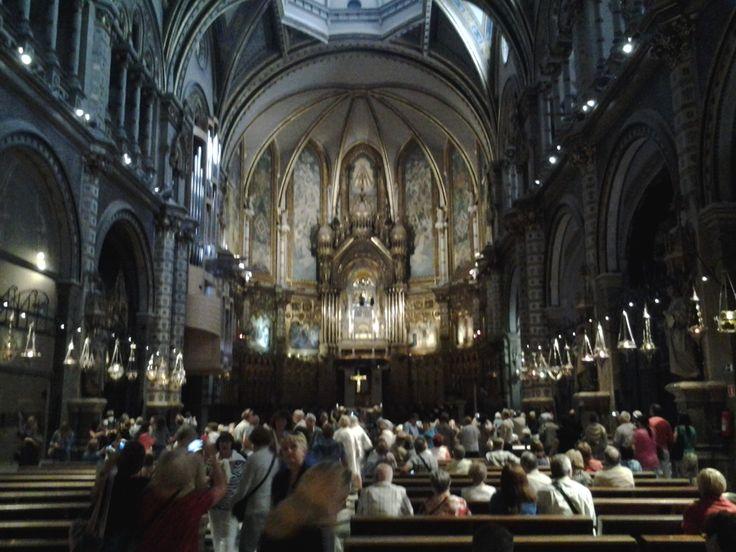 Montserratin luostarin katedraalissa. (Barcelona 2013)