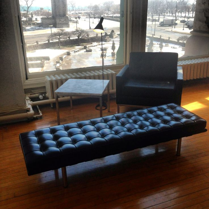 florence knoll lounge chair reproduction leather wwwmodernclassicscom 1390