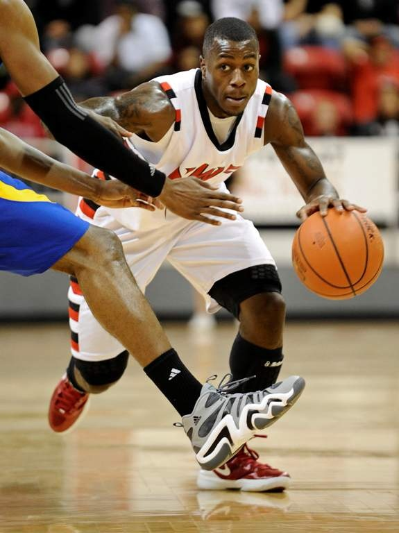 Louisville basketball recruit Chris Jones is junior-college POY