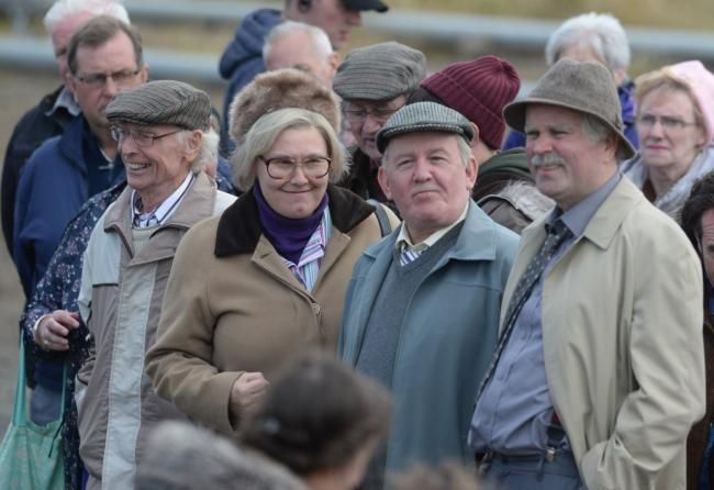 Still Game cast spend final filming days in Maryhill (From Evening ...