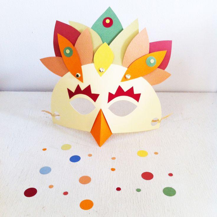 """Atelier """"Maskaplum"""" pour cocottes et petits coqs de 4 à 8 ans, par L'Atelier Effervescent chez Poule Mouillette le mercredi 5 mars 2014. Inscriptions : http://www.poulemouillette.fr/Main/index.php/ateliers-pour-enfants/icalrepeat.detail/2014/03/05/127/-/fabrique-ton-masque-special-mardi-gras"""
