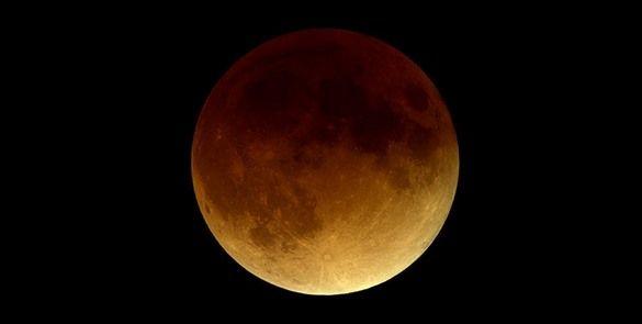 """#NASA transmitirá eclipse de Luna """"sangrienta"""""""