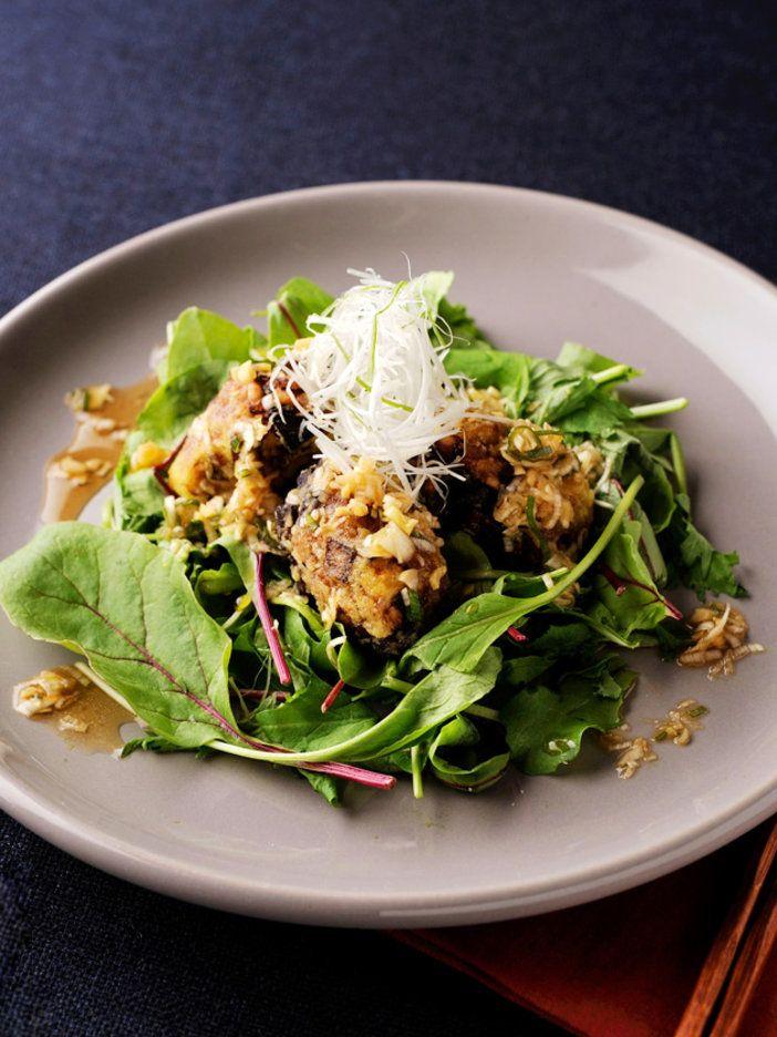 もっちりとした食感にサクサクの衣で、ボリュームたっぷり! 酸味のあるねぎソースで召し上がれ!|『ELLE gourmet(エル・グルメ)』はおしゃれで簡単なレシピが満載!