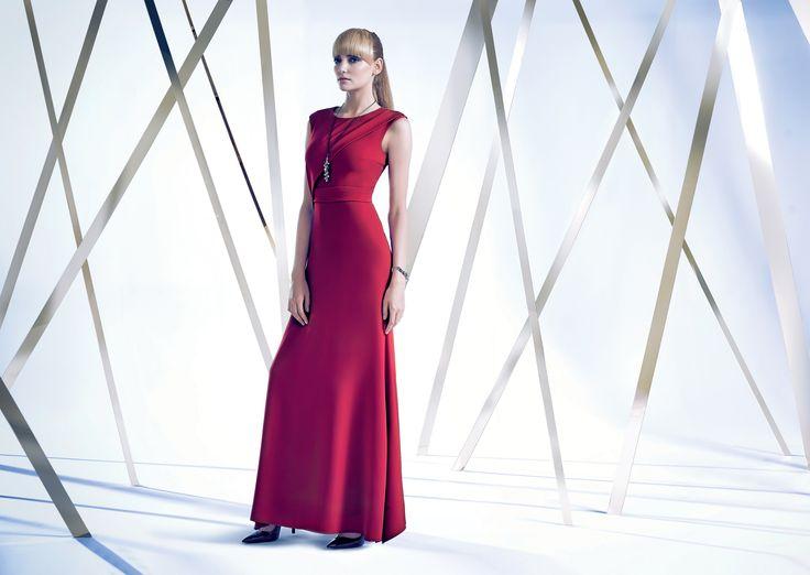 #lookbook #prettyonewarsaw  Kolekcja Autumn Winter 2014/15 długa czerwona sukienka, dopasowana sukienka, wieczorowa kreacja
