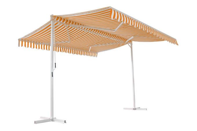 Store double pente PAPILLON Orange Blanc Rayé, Ce store vous permettra de profiter pleinement de votre terrasse à l'abri du soleil pendant la journée et de protéger votre intérieur de la chaleur. A partir de 479Euros TTC Livré, Exite en 3 dimensions: 4mX4m, 4mX5m, 4mX6m. Profitez-en sur UnsiRama.com