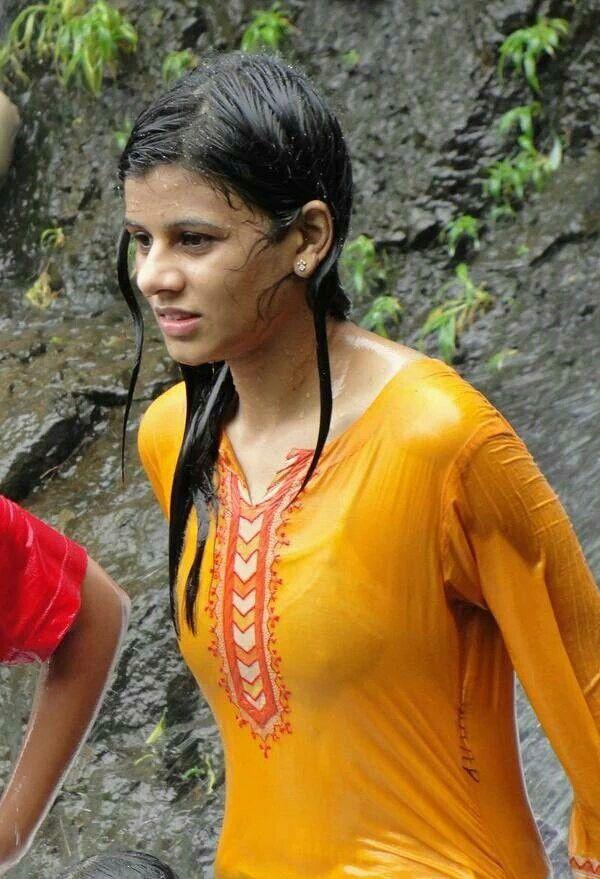 Hot nude t shirt boobs bhabhi