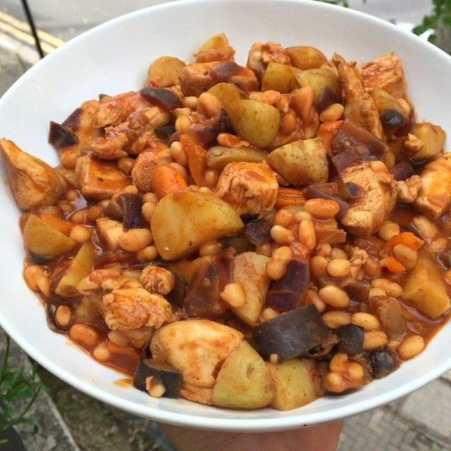 Just made this absolute winner of a post workout meal Smokey baked beans, chicken and potato! Hello #FoodBoner Tag your mates below incase they don't know about #leanin15 #SmokeyJoesBeanz