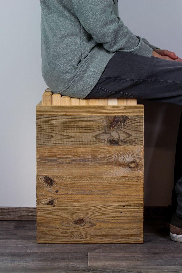 Ergonomischer Hocker in Fichte Altholz