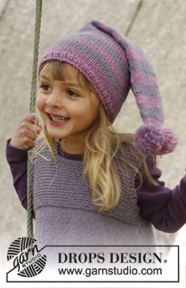"""Knitted DROPS hat with stripes in """"Karisma"""". ~ DROPS Design"""
