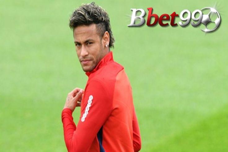 Neymar mengecam Josep Maria Bartomeu di Instagram, menyebut presiden Barcelona sebagai 'lelucon' karena komentar yang ia buat soal ayah pemain Brasil.  Pemain 25 tahun menuntaskan transfernya ke PSG bulan lalu usai klub Prancis menebus klausulnya senilai 222 juta euro, sekaligus memecahkan rekor sebagai pemain termahal dunia. Bartomeu mengaku ia dibuat kesal dengan tingkah Neymar dan agen sekaligus ayahnya, Neymar Senior, yang dianggap sebagai biang kepindahan sang bintang ke Paris.  Daftar…
