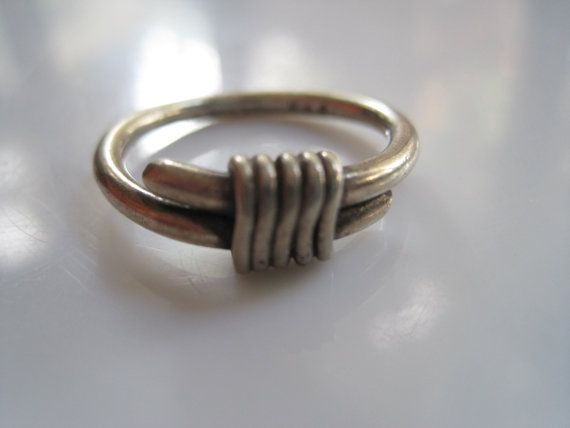 Hey, I found this really awesome Etsy listing at https://www.etsy.com/listing/207720892/vintage-mexican-ring-taxco-silver-wrap