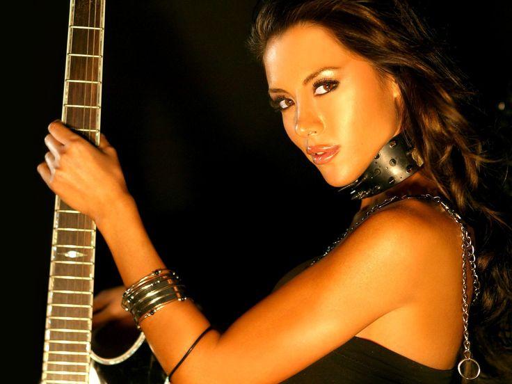 Download 1600x1200 pix photo of guitar, tan, collar, view Wallpapers