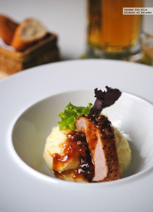 El éxito está asegurado con esta receta de solomillo de cerdo glaseado a la naranja. Los contrastes de sabores que provocan los ingredientes que componen el ...