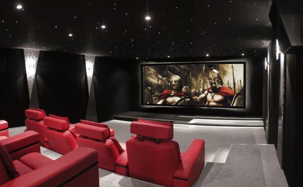 Salle de cinéma priveé - luxury toys new concept store - toys4vip.com