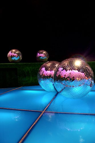 Super disco... reminds of a great night with my fam in vegas...