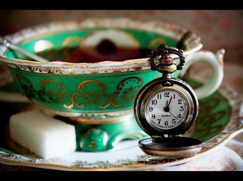 tea time: Pockets Watches, Teas Time, Sugar Cubes, Teas Cups, Clock, Mad Hatters, Alice In Wonderland, Vintage Teas, Teas Parties