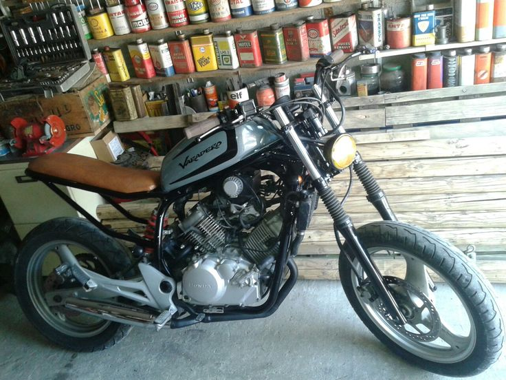 25 best ideas about honda scrambler on pinterest honda cb scrambler and scrambler motorcycle. Black Bedroom Furniture Sets. Home Design Ideas