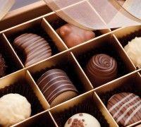Overheerlijke bonbons maak je natuurlijk zelf! Verras je familie of vrienden met hun verjaardag met verrukkelijke zelfgemaakt bonbons gemaakt van FunCakes chocolade.