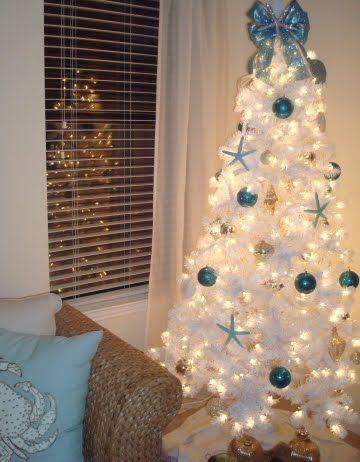 Google Image Result for http://4.bp.blogspot.com/_qVUoD9EHNdY/TRAnDnq_VHI/AAAAAAAAU-A/MW_sKRNMoTU/white-beachy-Christmas-tree.JPG