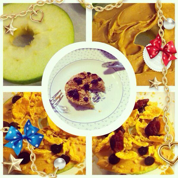 Elma dilimi, fıstık ezmesi, damla çikolata, yabanmersini, Mısır gevreği