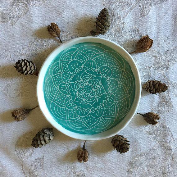piattino mandala fatto a mano in ceramica da nigutindor in vendita su etsy