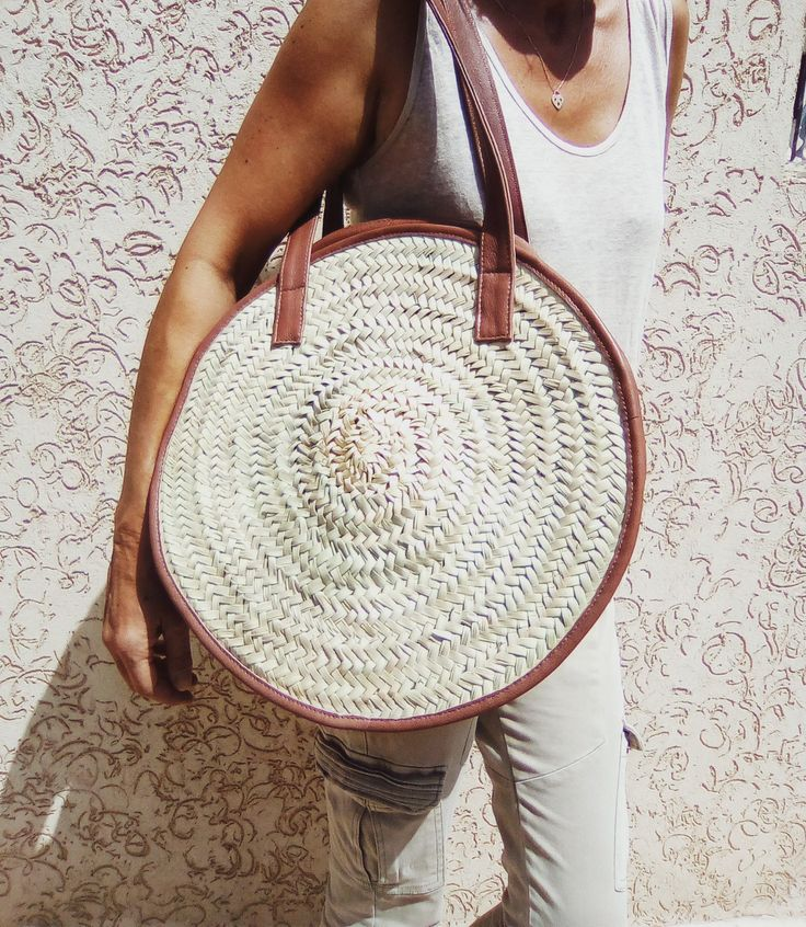 Sac fa?on Panier Marrakch'In NEW COLLECTION by EL.MO Cuir's shop My bags and totes are customized for you. If I don¡¯t have material like you are wanting I will try to find something that will please you. Give me an idea of what you are envisioning, and I will try to accommodate you the best I can. Keep in mind I will need a couple weeks lead time to make any projects if I do not already have the fabric on hand.Additionally, I can personalize them with embroidery for you (that is $10.00…