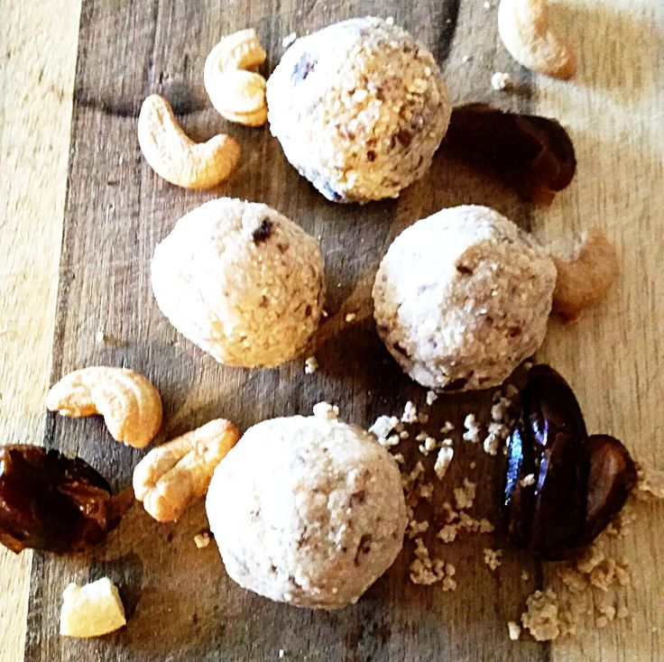 Cashew and Date Protein Balls
