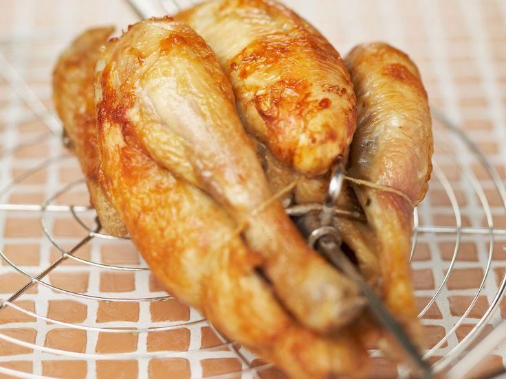 Découvrez la recette Poulet rôti à la broche sur cuisineactuelle.fr.