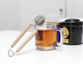 Snap Mesh Tea Infuser #thee #kikkerland #thee-ei #cadeau #theecadeau #sinterklaascadeau #kerstcadeau #moederdag #moederdagcadeau