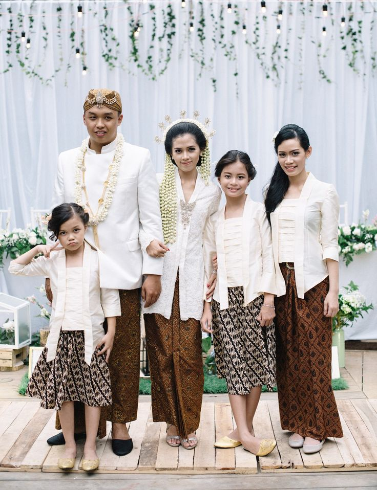Pernikahan Outdoor dengan Percampuran Adat Sunda dan Chinese…