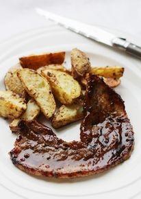 Kruidige speklapjes met geroosterde aardappeltjes