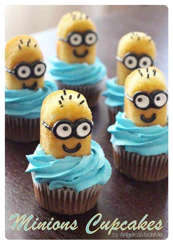 These Twinkie Minion cupcakes are adorable and easy! Perfect for a Despicable Me party.