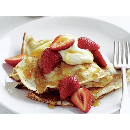 Classic crepes recipe. These classic French crepes are paper thin and never go out of fashion. #Easy #French #Strawberry #Eggdish #Breakfast