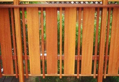 pics of wooden decks with privacy | Privacy' Railing