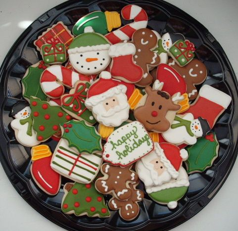i need to start working on my christmas cookie decorating LOL