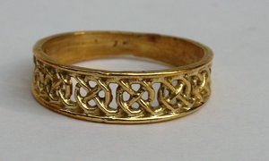 OPEN RING WITH CIRCLE CROSS, BRASS