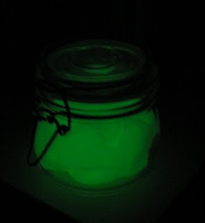 Homemade Glow in the Dark Play Dough by sunhatsandwellieboots #Glow_in_the_Dark_Play_Dough #Play_Dough #Kids #sunhatsandwellieboots