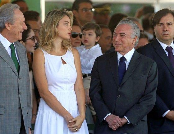 O presidente Michel Temer ao lado da primeira-dama, Marcela Temer, durante o desfile do Dia da Independência na Esplanada dos Ministérios em Brasília (Foto: Adriano Machado/Reuters)