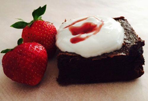Brownies γλυκά από μόνα τους Κλέλια Καραγιαννάκη Φοιτήτρια Χαροκοπείου