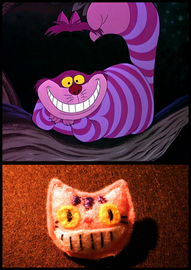 (felt) Cheshire cat badge