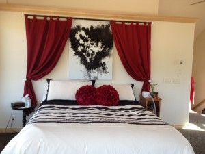 Love Curtains Above Bed! (Thatu0027s Probably One Of The Love Is Art Paintings)