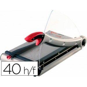 Guillotina metálica de palanca con base de metal y brazo de corte en aluminio, cuchilla de acero tratada y afilada, su mango esta cubierto de material blanco para más comodidad. Longitud de corte: 360 mm (A4), capacidad de corte: 40 hojas.