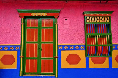 Vibrant colours in Guatape, Colombia!