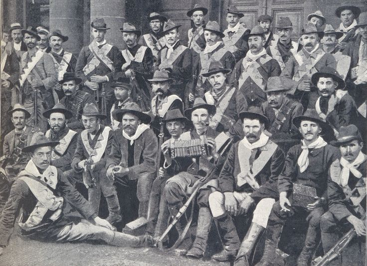 The Irish Brigade who fought alongside the Boers against the British army in the Anglo-Boer War. Col. John Blake is sitting in the front row 2nd to ...