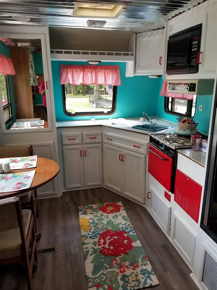 This free camper got a gorgeous makeover on a tight budget! These before and afters are amazing. This is a must see project!