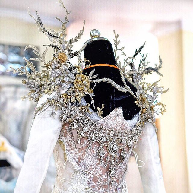 """""""On the process of production, Handmade to perfection, a special 3 dimensional embroidery applique for our bride... #RuslyTjohnardi #RuslyTjohnardiAtelier #lace #tulle #couture #highfashion #style #elegant #weddingdress #embroidery #beautifuldress #crystals #bride #Weddinggown #indonesiandesigner #swarovski #hautecouture #flowery #amazingdress #handmade #royalwedding"""" Photo taken by @ruslytjohnardiatelier on Instagram"""